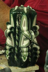 Custom Carved - White Green Bow 8in