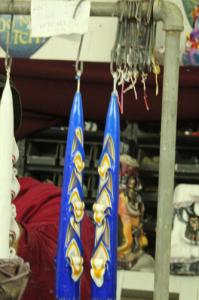 Carved-Tapers-White-Yellow-Blue-Curls-Up
